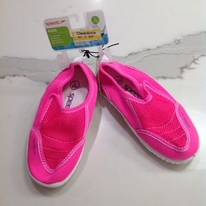 NWT pink Speedo Water Shoes